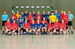 Die HSG Blomberg-Lippe, die als Dankeschön für die Unterstützung durch den TSV Hillentrup